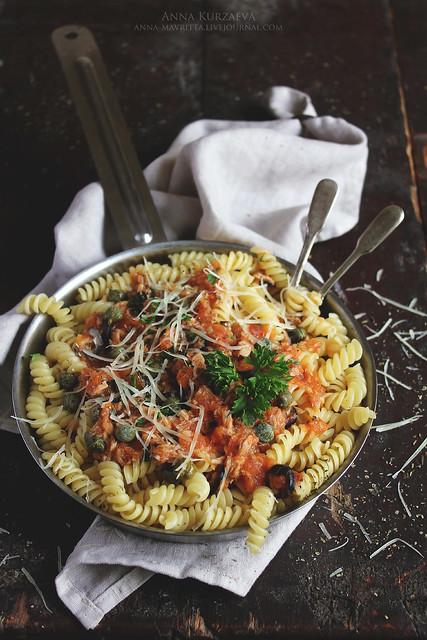 Girandole-Torsades with Tuna&Caper Sauce