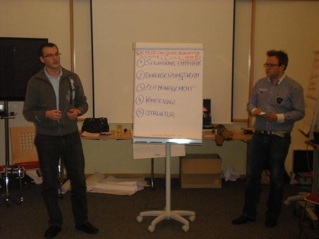 Thomas und Franz präsentieren Moderatorenkompetenz