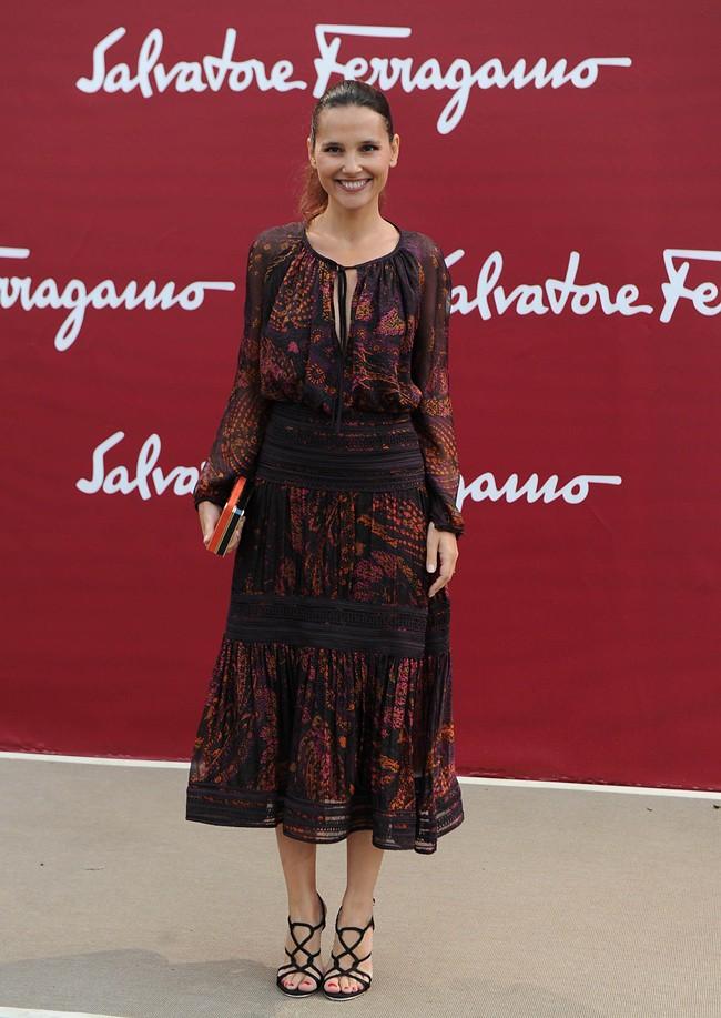 a7 SALVATORE FERRAGAMO RESORT 2013 SHOW LOUVRE Virginie Ledoyen - SGP