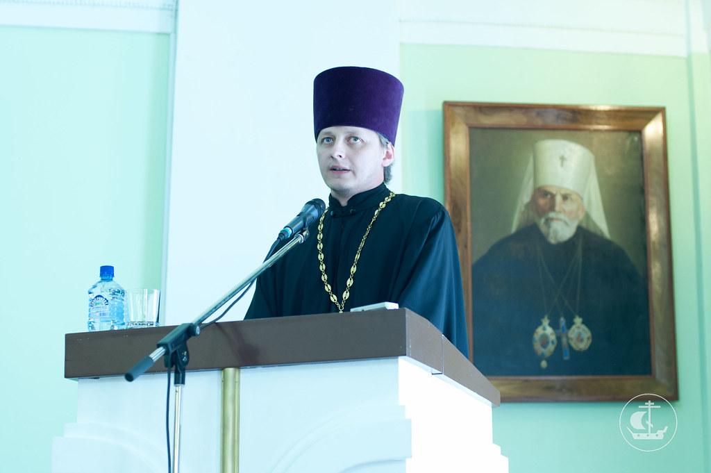 Благодарственное слово от лица всех выпускников священника Елисея Ротко выпускника магистратуры