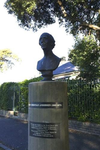 Hans Christian Andersen bust