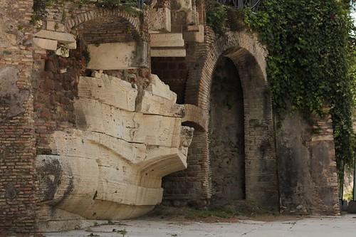 Isola Tiberina: particolare