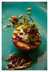 Melocotones asados con vinagreta de limas - Pan grilled peaches with lime vinaigrette