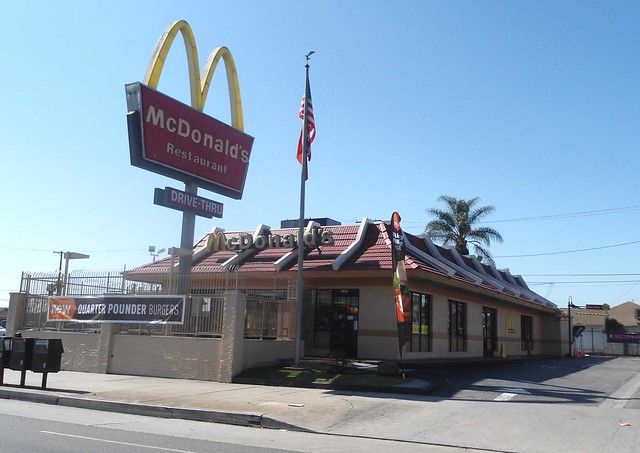 Mcdonald S Classic Mansard Roof From The 1970 S On