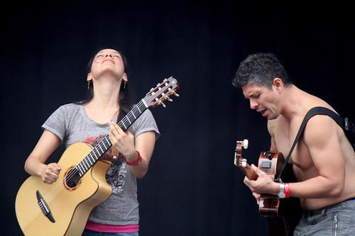 Rodrigo y Gabriela tilt