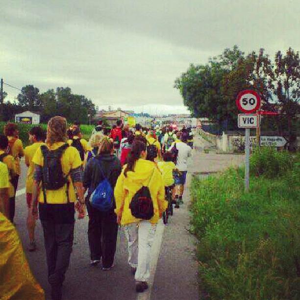 La 1a marxa per la educació pública arriban en el recorregut d'avui a #vic #osona #educacióenmarxa #marxaeducativa #catalunyaexperience #cataloniaexperience #igerscatalunya #igerscatalonia #igerscat #igersosona