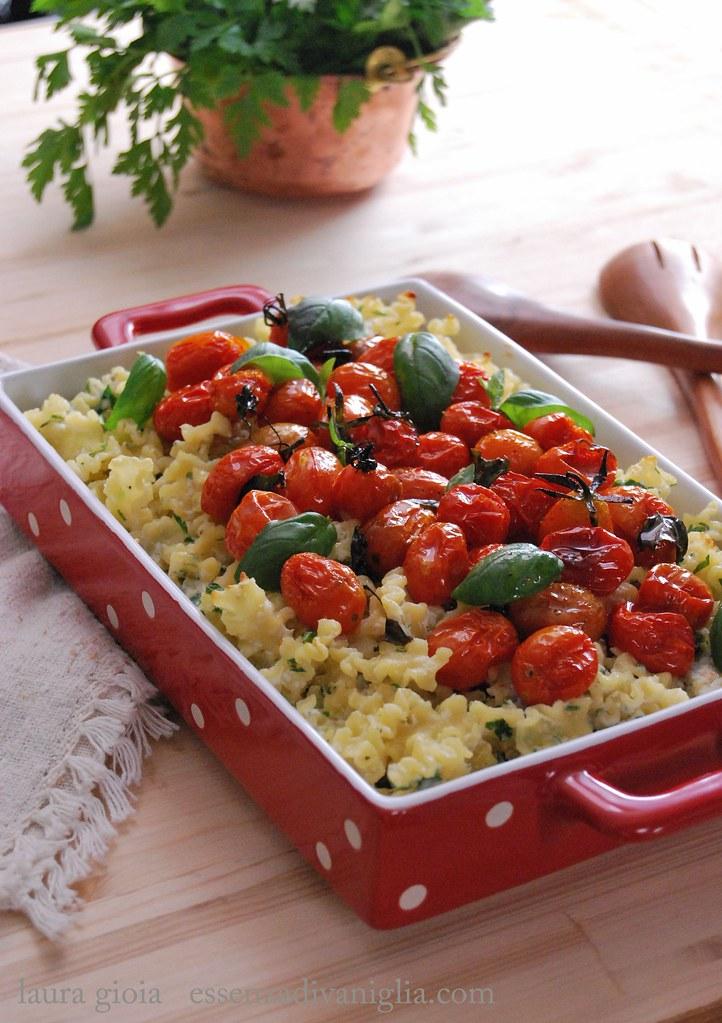 pasta al forno con ricotta e pomodorini