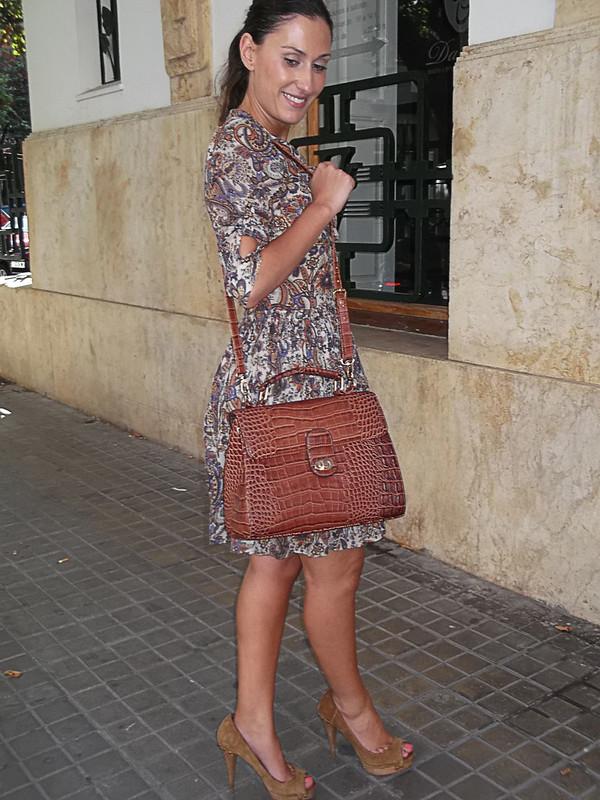 Vestido, paisley, peep toes, serraje camel, bolso, lagarto, vintage, paisley print dress, camel suede peep toes, lizard skin bag, mango, zara, parfois