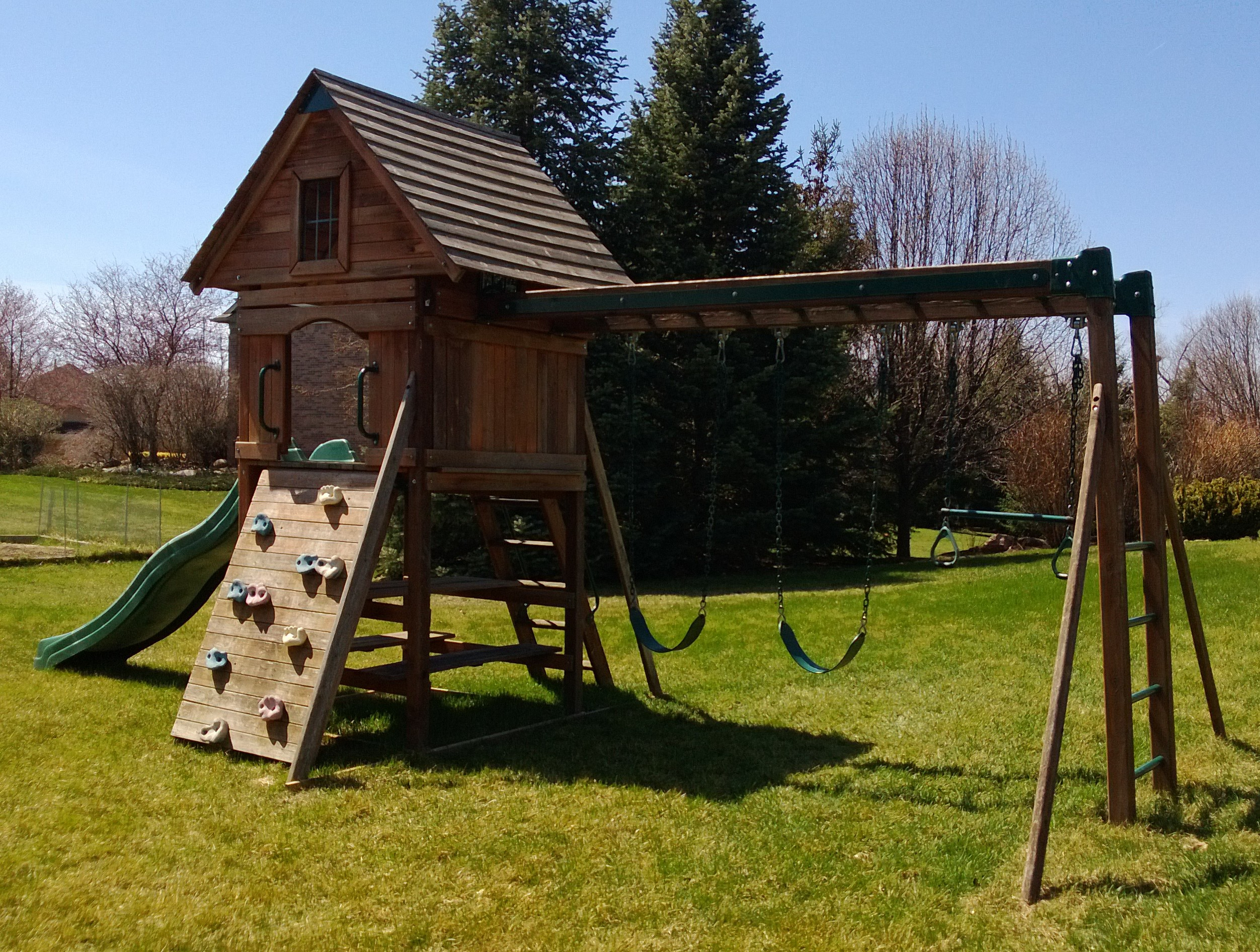 Backyard Playset Location