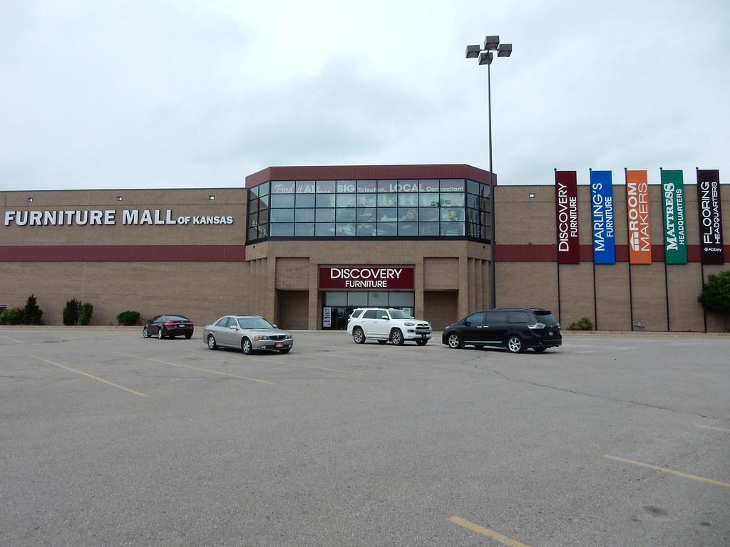 Furniture Mall Of Kansas (Former Macyu0027s/The Jones Store)