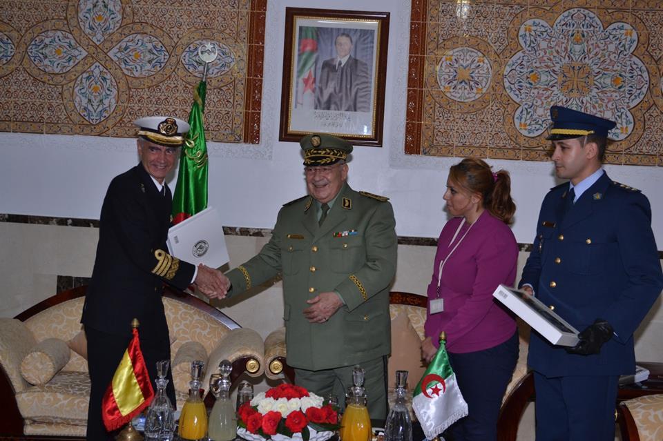 الجزائر : صلاحيات نائب وزير الدفاع الوطني - صفحة 5 30692092971_43310cb4aa_o