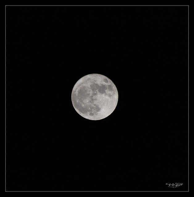 Moon1, Canon EOS 5D, Sigma 50-200mm f/4-5.6 DC OS HSM + 1.4x