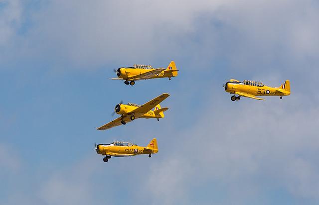 Canadian Harvard Aerobatic Team, Canon EOS-1D X, Canon EF 100-400mm f/4.5-5.6L IS