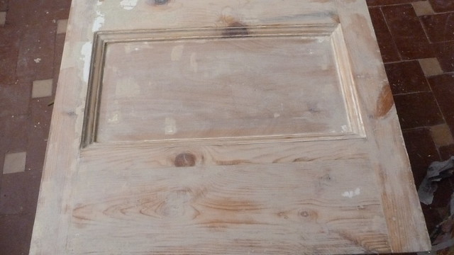 Decapante pintura puerta madera hacer bricolaje es - Pintura puertas madera ...