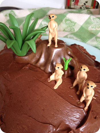 Meercat cake in the making