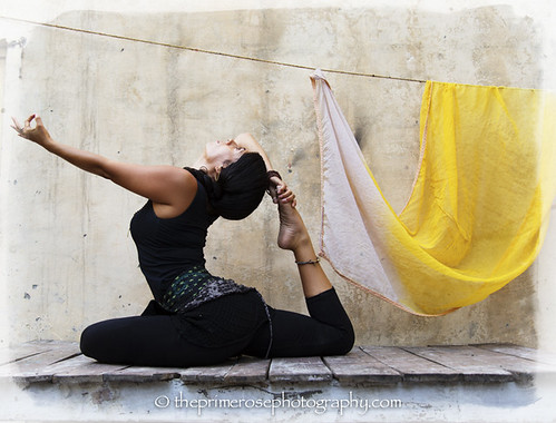 yoga-raja-kapotasana-variation-Millette-Nunez-theprimerose-photography-by-Rosa-Tagliafierro-Rishikesh-India