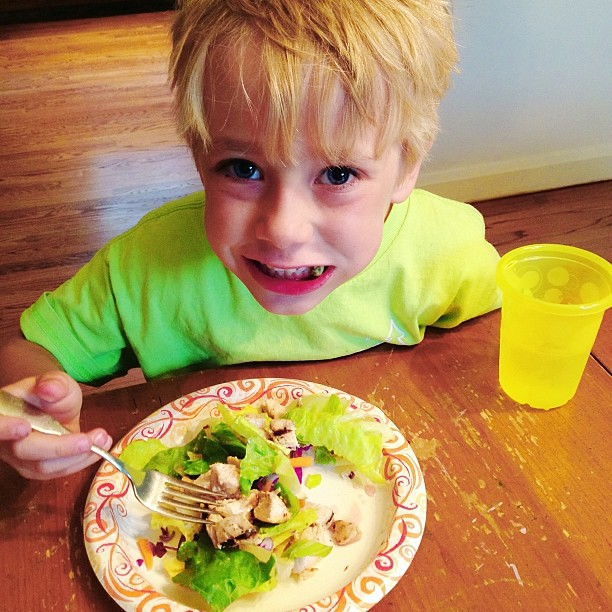 Eli's lunch...grilled chicken salad.  So thankful that 1 out of 4 boys will try anything!  #1000gifts