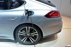 automobile, automotive exterior, executive car, family car, wheel, vehicle, automotive design, porsche, porsche panamera, rim, bumper, land vehicle, luxury vehicle,