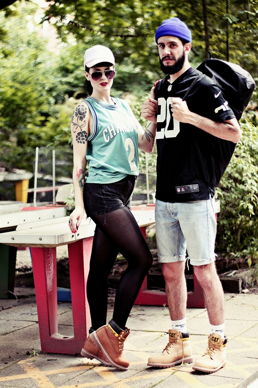 CAT_COLORADO_LOOKBOOK_SPORTY_BOY_AND_GIRL_BERLIN_BASKETBALL_SHIRT_TATOOS (2)