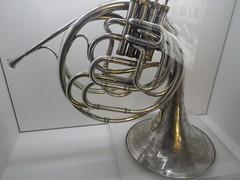 horn, brass instrument, wind instrument,