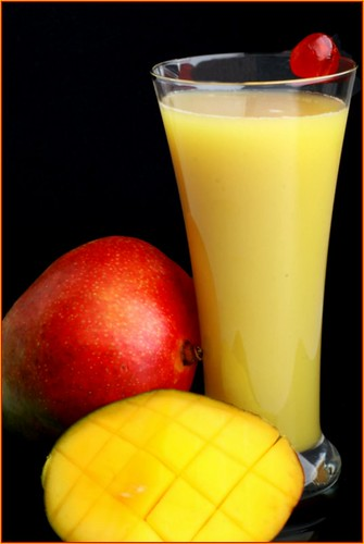 Easy Mango juice by {deepapraveen very busy with work..back soon