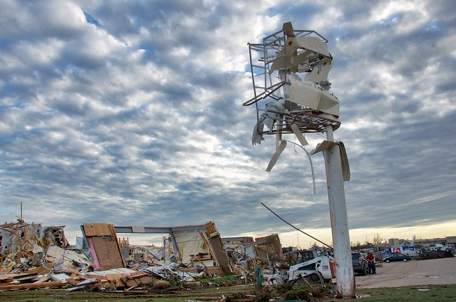 8779416563 77e40df808 z Photos Showing the Devastation of the Oklahoma City Tornado Aftermath
