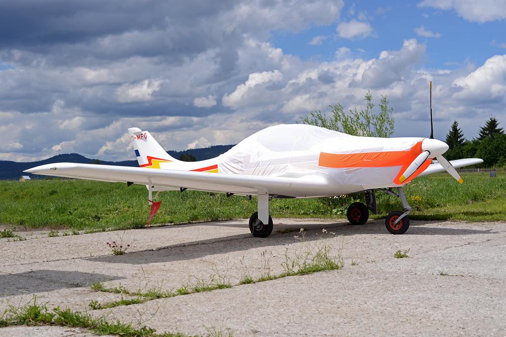 Suceava, Vatra Dornei - Aerodromul Floreni (LRFL) - Pagina 8 8926280133_f49ef9302f_o