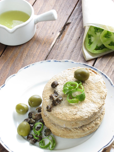 013Veggie Burger in salsa di Verdelli, Capperi e Olive e Pomodori Verdi fritti in Panatura Filante
