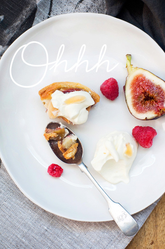 Delicious Bites: Fig + Raspberry Frangipane Tarts