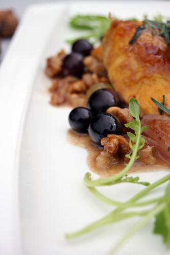 Caille miso aux noix et raisins