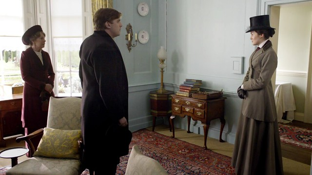 DowntonAbbeyS01E02_MaryRidingdress