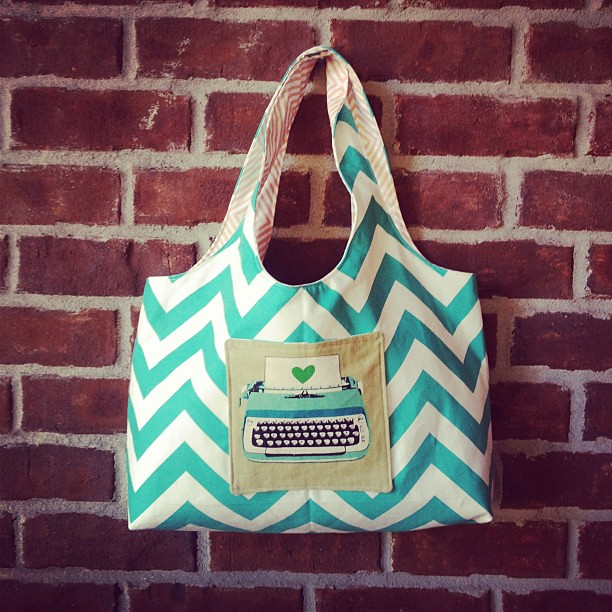 What's teal and white and me all over? My new bag! Pattern testing for Michelle!