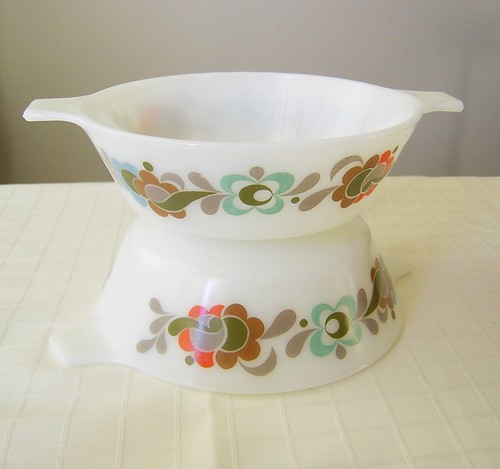 JAJ pyrex dishes