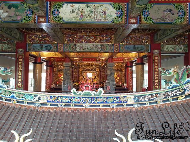 潭水亭-廟中廟