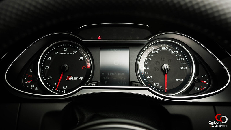 2013-Audi-RS-4-16.jpg