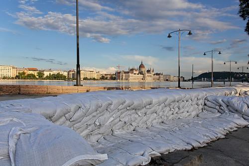 Budapest flood 2013 - scene of a battle 2