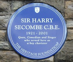 Photo of Harry Secombe blue plaque
