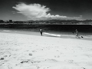 Image of Playa El Médano Beach with a length of 115 meters near Cabo San Lucas. blancoynegro mexico cabosanlucas bcs tumblr flickrandroidapp:filter=none seaofcortezatmedanobeach