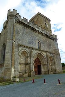 Esnandes: l'église