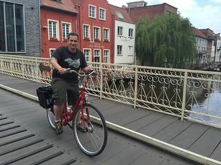 Sele en bici por Gante (Flandes, Bélgica)