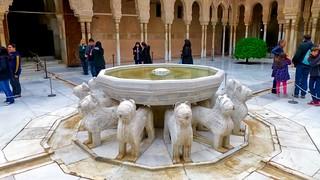 Hình ảnh của Alhambra gần Granada. trafalgarinsider andalusia españa granada laalhambra laalhambraygeneralife palaciodegeneralife qalatalhamra spain spanishwonders trafalgar unescoworldheritagesite winter photolemur