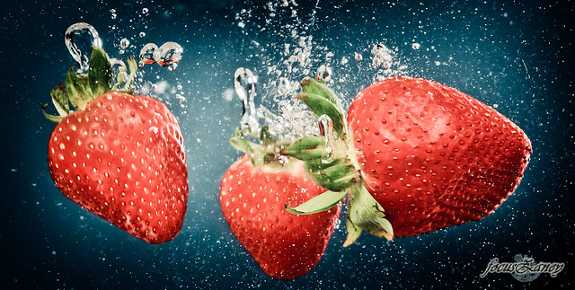 6919360348 8c1233aeea z Splash Photography Makes Me Hungry For Fruits