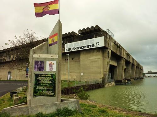 bordeaux ww2 base sous marine, stele aux republicains espagnols