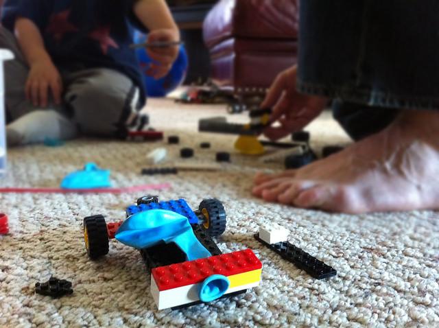 The Blue Basket: Lego balloon car races