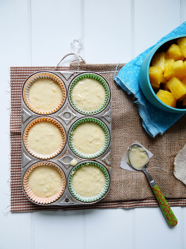 pineapple express cupcakes
