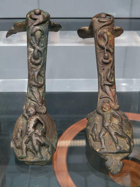 Bronze jar handles depicting Actaeon being torn apart by dogs, ca. 380 BC, Staatliche Antikensammlungen, Munich