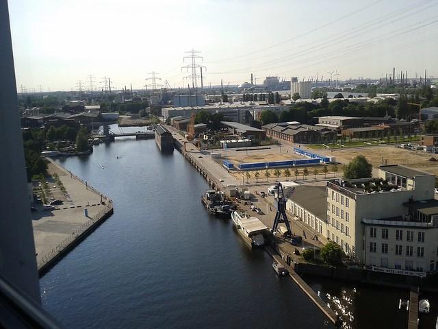 Spaziergang vom Harburger Binnenhafen bis zum Phoenixviertel mit Hamburgs Bürgermeister Olaf Scholz
