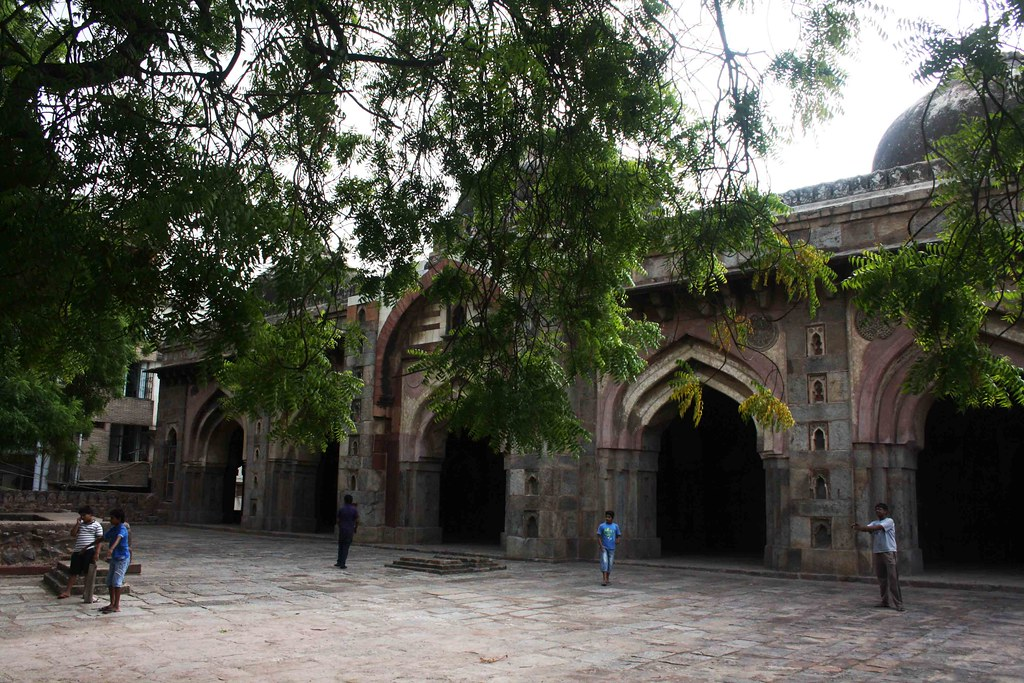 City Monument – Moth ki Masjid, Near Neeti Bagh