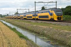 Elst Dubbele dubbeldekkers 8702 en 9422 r. Nijmegen