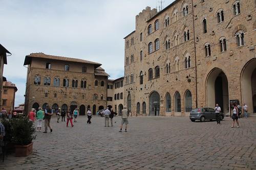 Volterra: Piazza dei Priori